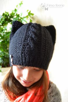 """It all started with a fixette of a mini chick who had seen a commercial on TV: """"Mamaaan the cap with cat ears, it is too … Crochet Wool, Crochet Chart, Knit Mittens, Knitted Hats, Owl Hat, Beanie Hats, Baby Knitting, Mini, Cat Ears"""