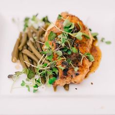 Currently drooling over our Maple Mustard Glazed Chicken. #exploreinfinitenashville #infinityevents #infinityweddings #belltowernash #nashvilleevents #nashvilleweddings #mynashvillewedding