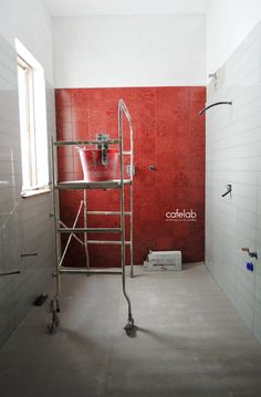 Coffee Break | The Italian Way of Design: Un bagno in rosso | work in progress