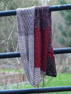 Ravelry: allotrope pattern by Susan Gehringer