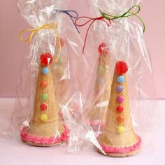 How to make clown hat party favors