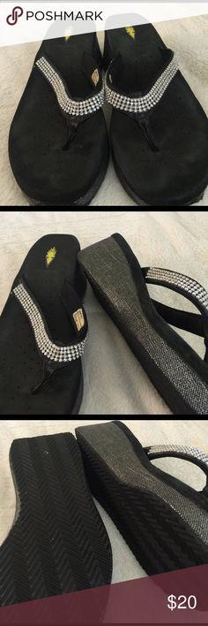 Yellow box size 9 black flip flops Yellow box size 9 black flip flops lightly worn Volatile Shoes Sandals