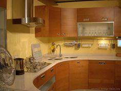 Idea of the Day: Natural warmth: Modern wood kitchens in medium tones. Light Wood Kitchens, Cool Kitchens, Modern Kitchens, Wood Kitchen Cabinets, Kitchen Backsplash, Backsplash Ideas, Corner Sink, Updated Kitchen, Nice Kitchen