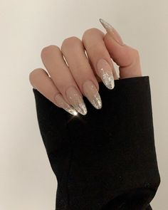Uploaded by Aaliyah Kinniburgh. Find images and videos about nails, nail art and nail design on We Heart It - the app to get lost in what you love. Classy Nails, Stylish Nails, Simple Nails, Pink Nails, Glitter Nails, Black Nails, Nail Polish Designs, Nail Designs, Nagellack Design