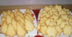 Fabulosa receta para Galletitas para decorar. Navidad, Halloween, San Valentín... utiliza el cortapastas que quieras y después ¡decora éstas ricas galletas!  Llevaba tiempo buscando una receta buena para hacer galletas y ésta me ha convencido. Espero que os guste igual que a mí y que subáis a la receta la foto de las vuestras.  Yo he subido una foto sin decorar. En cuanto decore éstas (o las próximas que haga), las subiré yo :)  Vídeo: Vídeo para decorar galletas