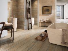 Brauntöne verwandeln jedes Badezimmer in einen gemütlichen Wohlfühltempel ─ die Holzfliesen verleihen dem Ganzen obendrein noch viel Wärme und Modernität.