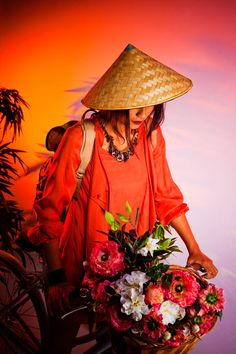 collection of images Happy China, Best Model, People Of The World, Model Agency, Orange Color, Editorial Fashion, Vintage Ladies, Fashion Photography, Costume