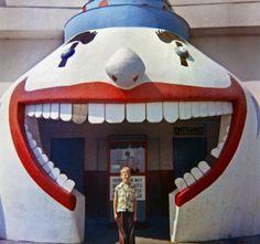 Toothy entrance. Santa Cruz, 1953.