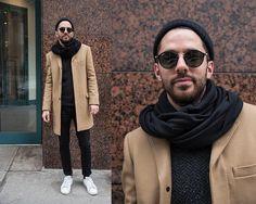 Street Style Montréalais  avec @samm2501 . . #mtl #montreal #nightlife #street #streetculture #streetfashion #streetstyle #fashionblog #fashion #fashionblogger #blog #blogue #bloggers #tonbarbier by tonbarbier