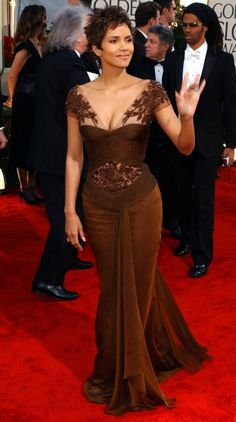 Halle Berry 2002 Golden Globes - another amazing dress