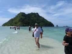 Tup Island Thailand http://www.imperatortravel.ro/2012/06/cinci-plaje-care-pana-si-pe-mine-m-au-incantat.html