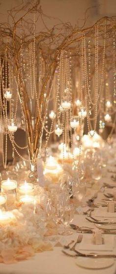 Adorable Winter Wedding Table Decoration Ideas 59