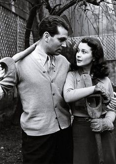Vivien Leigh and Laurence Olivier - Throwback Photos of Iconic Hollywood Couples - Photos
