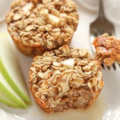 These easy Apple Cinnamon Baked Oatmeal Cups have no refined sugar and are perfect for an easy and healthy breakfast throughout the week!