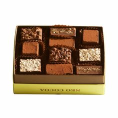 Awards: Our Notes: There are five flavors in this beautiful green box with two…