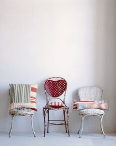 Brocante chairs