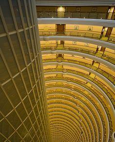 Jin-Mao-Tower von innen, mal andere Perspektive von Matthias JakobJena