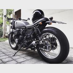 @anjingpemalas on Instagram: Honda cb750 sevenfifty rc42