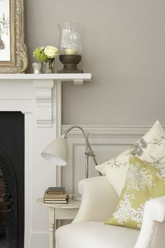 For console Little green Main wall: French Grey Dark 163 Panelling: French Grey 113 Fireplace: French Grey Pale 161 Bedroom Wall Paint, Room Design, Colorful Interiors, Interior, Living Room Paint, Family Room Design, Living Room Diy, Interior Paint Colors, Interior Color Schemes