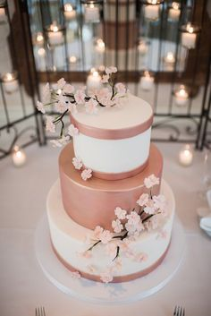 cherry blossoms and rose gold wedding colors inspiration, spring wedding cakes Mod Wedding, Rustic Wedding, Trendy Wedding, Wedding Cake Vintage, Wedding Gold, Rose Wedding Cakes, Rosegold Wedding Cake, Oreo Wedding Cake, Perfect Wedding