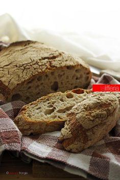 Pane di segale senza impasto.