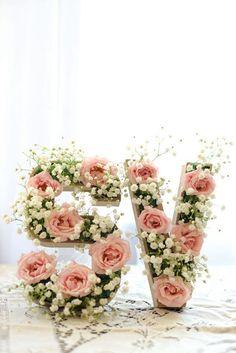 Letter A Floral Decoration Images 23 flower letters ideas for your wedding decor weddingomania Diy Baby Shower Decorations, Baby Shower Centerpieces, Wedding Decorations, Fiesta Baby Shower, Baby Shower Parties, Baby Shower Themes, Baby Showers, Shower Ideas, Letters Ideas