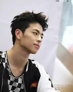 His sharp jawline literally sliced my heart (Cringy description. Mix And Match Ikon, Bobby, Koo Jun Hoe, Kim Jinhwan, Jay Song, Ikon Debut, Ikon Kpop, Fandom, Korean Bands