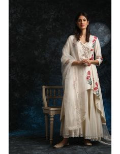 Indian Bridal Outfits, Indian Fashion Dresses, Indian Designer Outfits, Silk Anarkali Suits, Salwar Suits, Angrakha Style, Indian Fabric, Pretty Designs, Sharara
