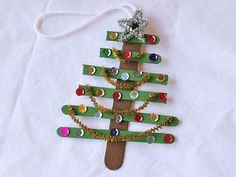 Christmas ornament popsicle stick tree