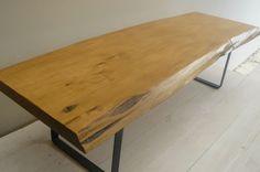 Mesa baja de madera maciza - Mesas - Muebles