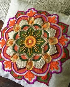 Ideas For Embroidery Hoop Mandala Cushion Embroidery, Hand Embroidery Art, Mexican Embroidery, Embroidery Works, Creative Embroidery, Embroidery Monogram, Machine Embroidery Applique, Ribbon Embroidery, Embroidery Stitches