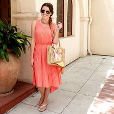 Love this peach-colored dress paired with gold accents.   cc: @thefablifeofanatchdisaster