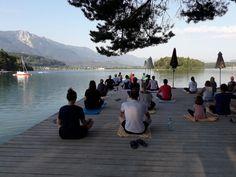Guten Morgen Yoga, herrlich so am See Steg. Der Faaker See vor Augen, tief durchatmen und das Naturel genießenn. Beach, Water, Outdoor, Eyes, Vacation, Gripe Water, Outdoors, The Beach, Beaches