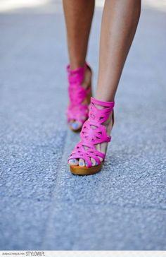 women's shoes  hot pink