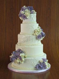 20 Incredibly Elegant Wedding Cakes - MODwedding