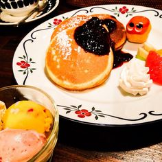 Mmmm..yummy pancakes and ice cream #mizumushikun #pancake #sweets #kyoto #icecream #kawaii #Japanese #japan #yummy #delicious #nomnom #fresh #fruit