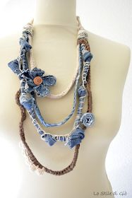 Lo Stile di Giò: Denim4neck - come ti indosso il jeans Diy Jewelry Necklace, Fabric Necklace, Statement Jewelry, Boho Jewelry, Jewelry Crafts, Jewelry Art, Jewelery, Handmade Jewelry, Beaded Necklace