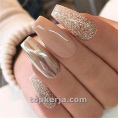 Nails Chrome nails are the latest technology used by all trendy ladies and top nail bar salons. They use some gold/silver and metal nails to make them look gold foil/silver. Chromium nail powder can also be used. Have you tried Chrome Nail Art Designs bef Acrylic Nails Chrome, Chrome Nail Art, Fall Acrylic Nails, Glitter Acrylics, Fall Nail Art Designs, Acrylic Nail Designs, Chrome Nails Designs, Nude Nails, Gel Nails