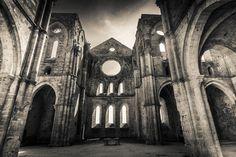 San Galgano Abbey - HDR Royalty Free Stock Photos - Image: 33296918