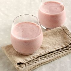 This creamy, delicious and nutritious Strawberry & Banana Smoothie is the perfect way to start your day.