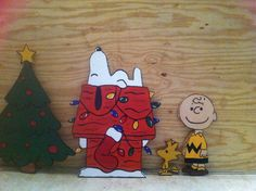 Peanuts Charlie Brown Snoopy Woodstock Christmas Holiday  Wood yard lawn Decor Art