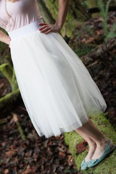 Sew Much Ado: Tulle Skirt Tutorial. Can't decide if I could pull this off.