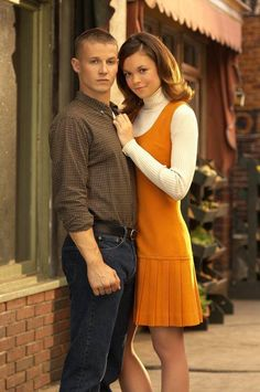 Will Estes and Rachel Boston in American Dreams Old Tv Shows, Movies And Tv Shows, Blue Bloods, American Dreams, Personal Photo, Favorite Tv Shows, Picture Photo, Childhood Memories, Movie Tv