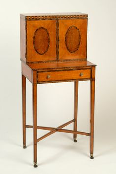 ENGLISH - Late 18th century satinwood cabinet - English 18th and 19th Century Antique furniture dealer - Lennox Cato Antiques