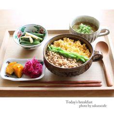 instagram - 三色ごはん、小松菜と揚げの煮浸し、南瓜煮、紫キャベツのマリネ、大根とお豆腐の味噌汁