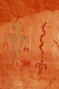 Ancient Pictographs - Amazing how people can deny the shape of the life forms depicted.  Arrogance.