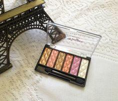 Já conhecem a Le Vangee, não? Passa lá no Blog pra conferir a resenha da paleta de sombras de 6 cores e ainda um passo a passo de maquiagem. http://jeanecarneiro.com.br/paleta-de-sombras-le-vangee/ Tenham um ótimo fim de semana. #levangee #maquiagem #passoapasso #makeup #paletadesombras #resenha #review #beaute #beauty #beleza #beautyblogger
