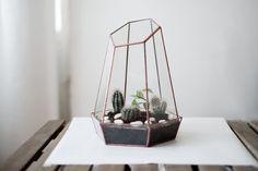 """geométricas cristal terrario """"cristal"""" (pátina cobre) - terrario de cristal hecho a mano - el plantador para interior"""