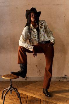 Phipps Spring 2021 Menswear Collection - Vogue Black Cowgirl, Black Cowboys, Fashion Week, Fashion Show, Mens Fashion, Fashion Trends, Vogue Russia, Photos Du, Editorial Fashion