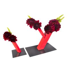 LusionBloom Vase - Based on the simple logic of magnetism. Able to move and conform to the desired positions you wish.